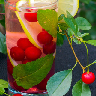 sour cherrry antioxidant water