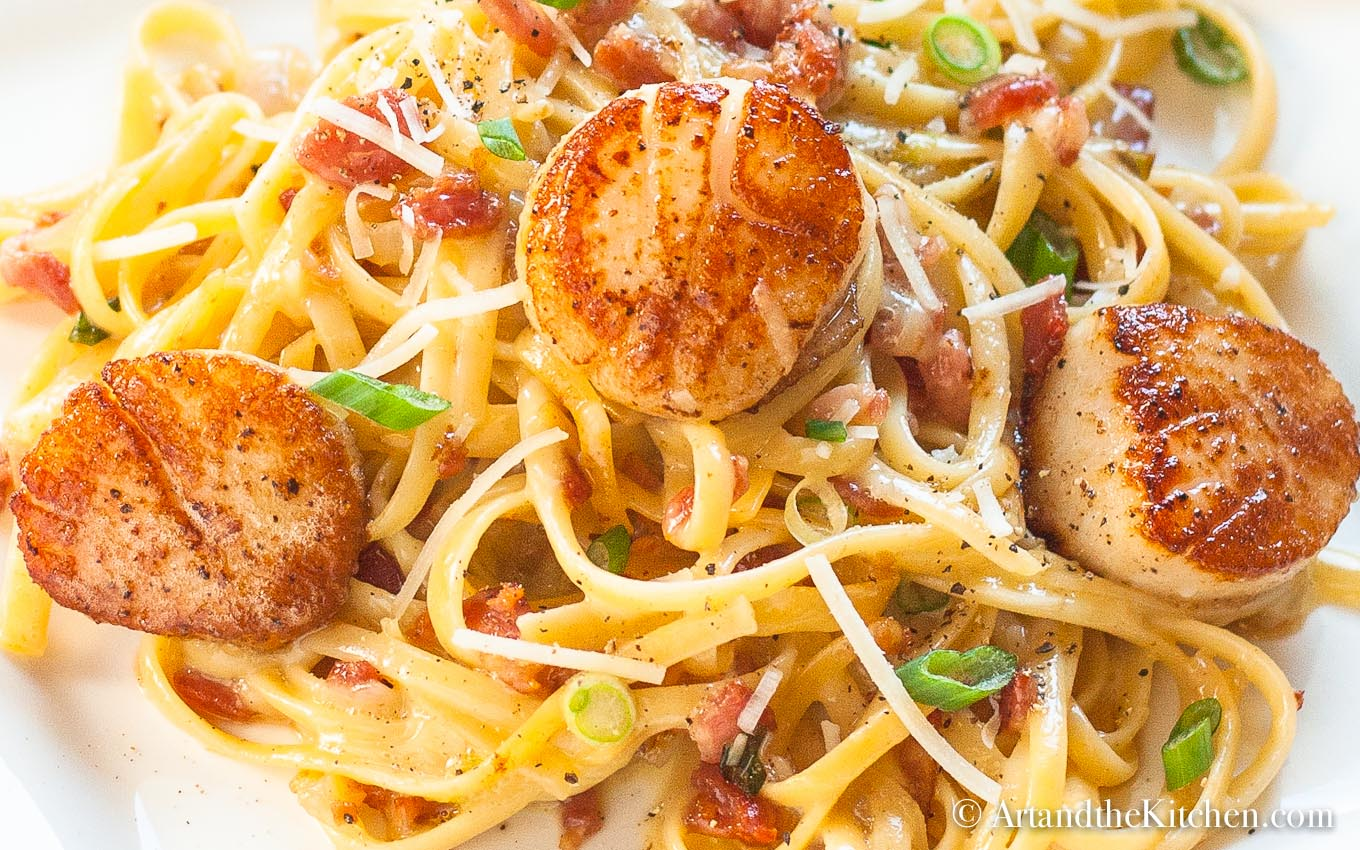 Carbonara With Pan Seared Scallops Art And The Kitchen