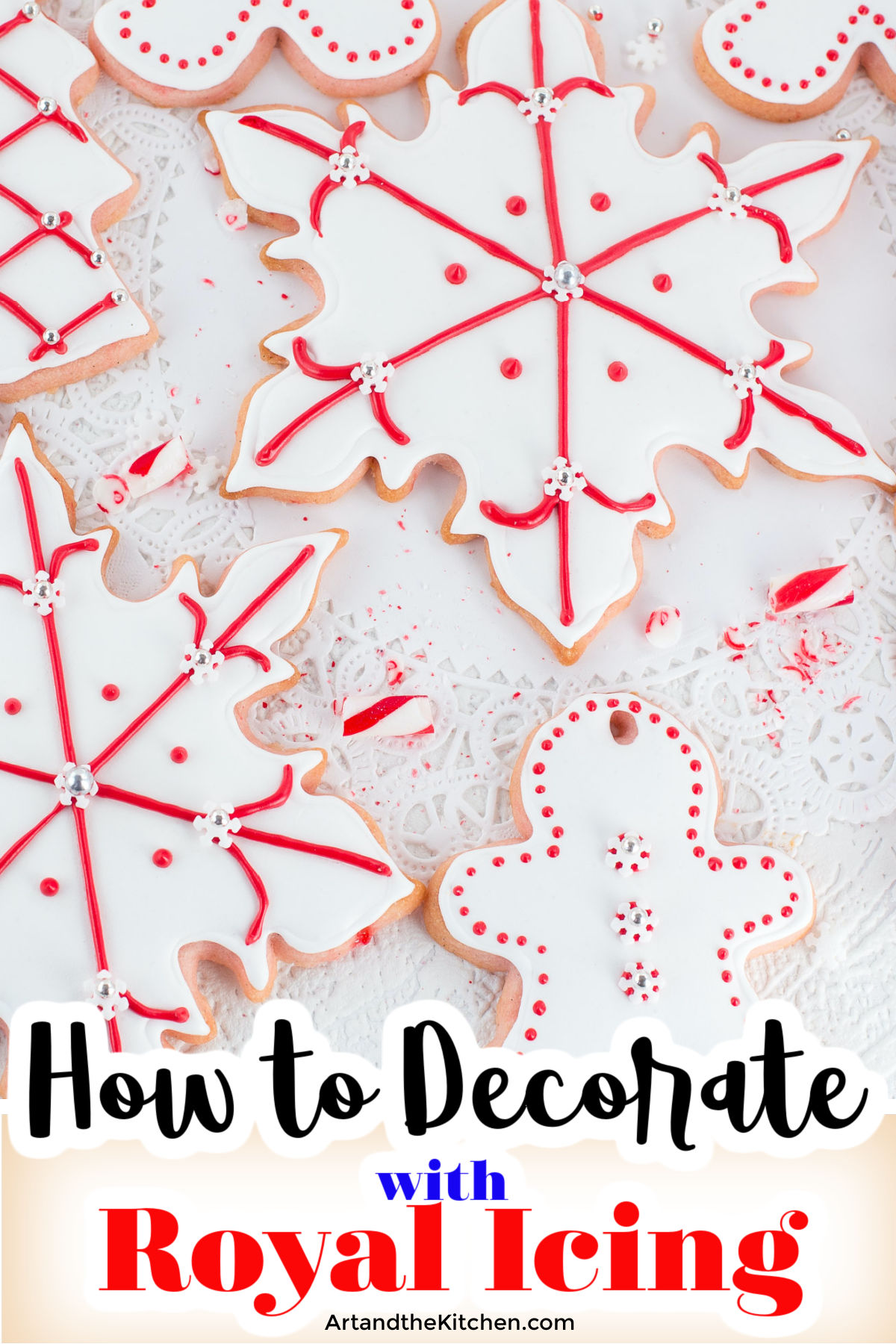How to Decorate Cookies with Royal Icing, here are some easy to follow step by step instructions. via @artandthekitch