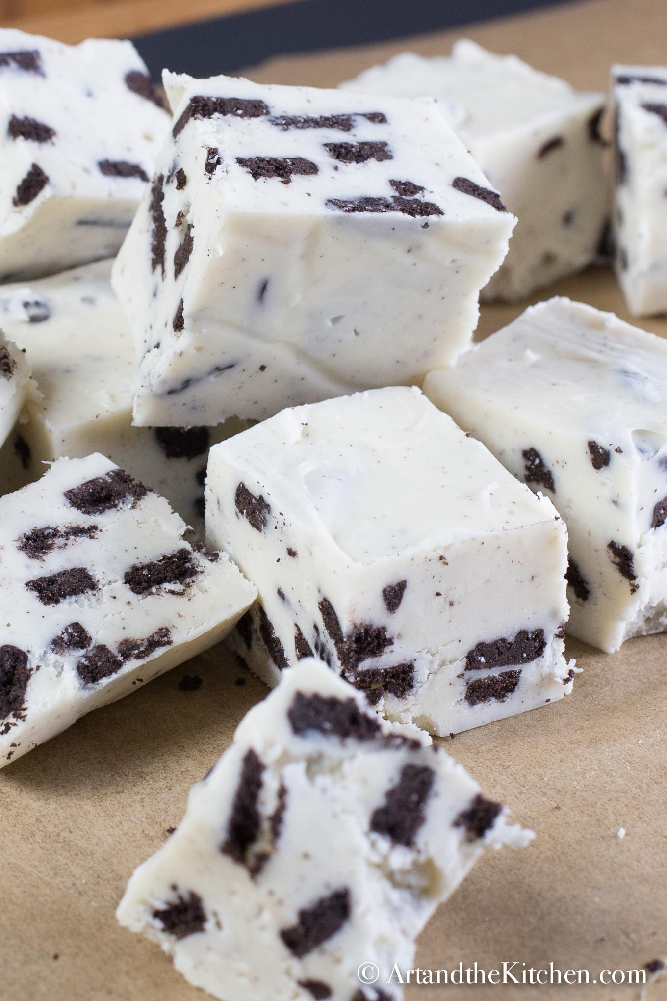 Cookies and Cream Fudge | Art and the Kitchen